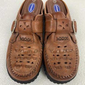 NWOT Dr. Scholl's Leather Slip On Clogs  Sz 7.5